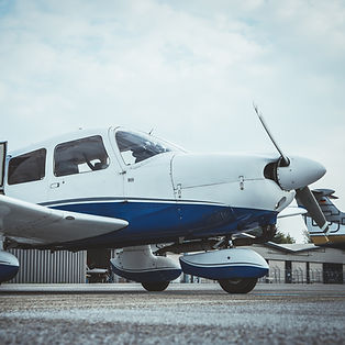 aircraft-4302723_bearbeitet.jpg