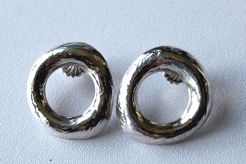 oval silver earrings