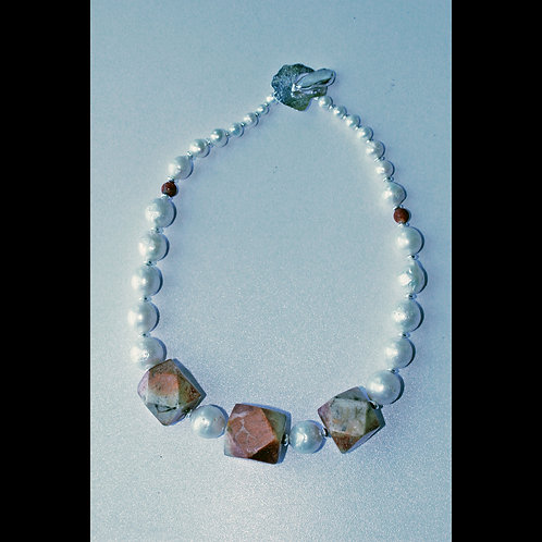 Red jasper and baroque pearl necklace