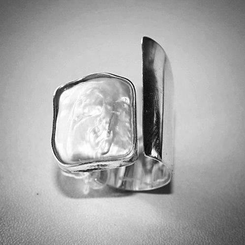 Keshi Pearl and Silver Ring