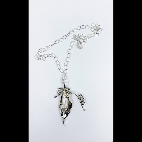 leaf pendant with pearl in silver