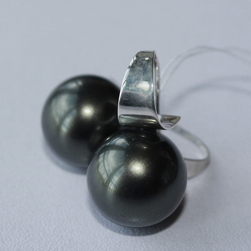 large black pearl wire earrings