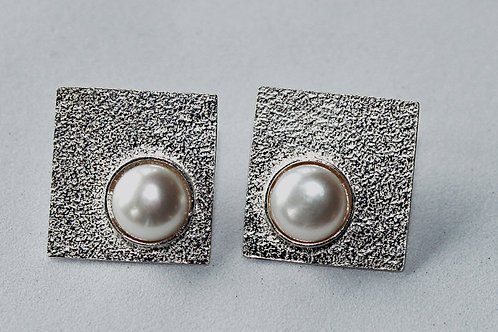 large square stud with pearl