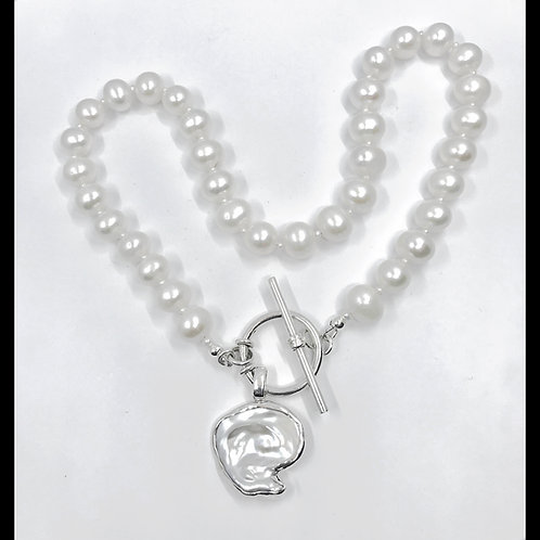 fine pearl necklace