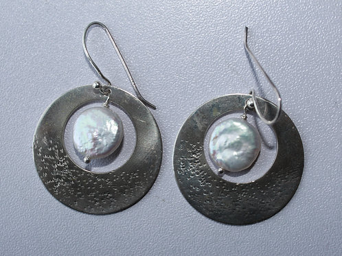 sterling silver round earrings with coin freshwater pearl