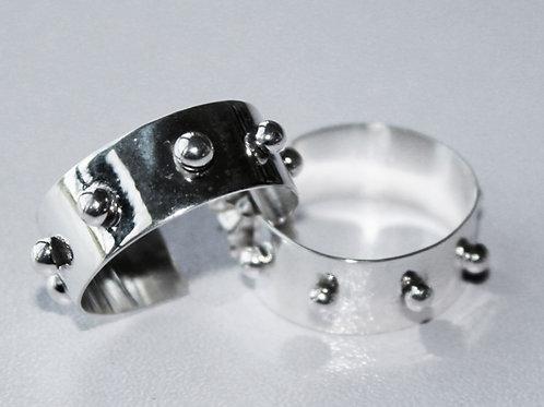 "sterling silver ""dog collar"" earrings"