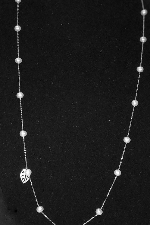 silver chain with pearls and leaf