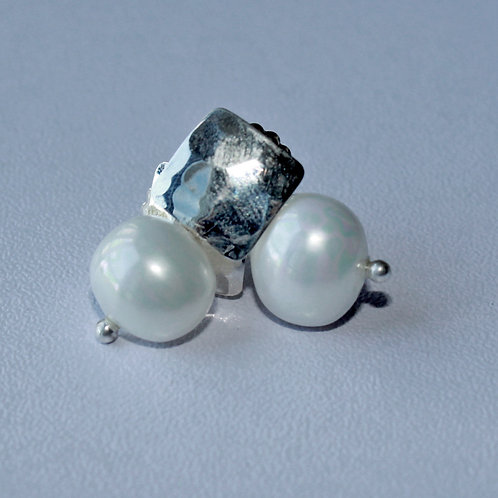 square silver stud earrings with egg shaped pearl