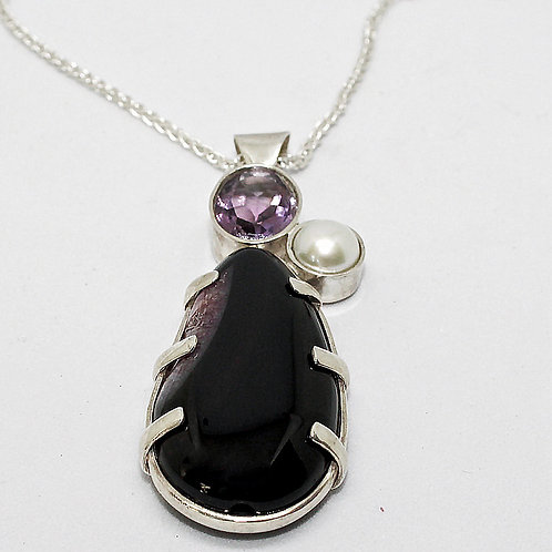 Druzy Amethyst and Pearl Pendant