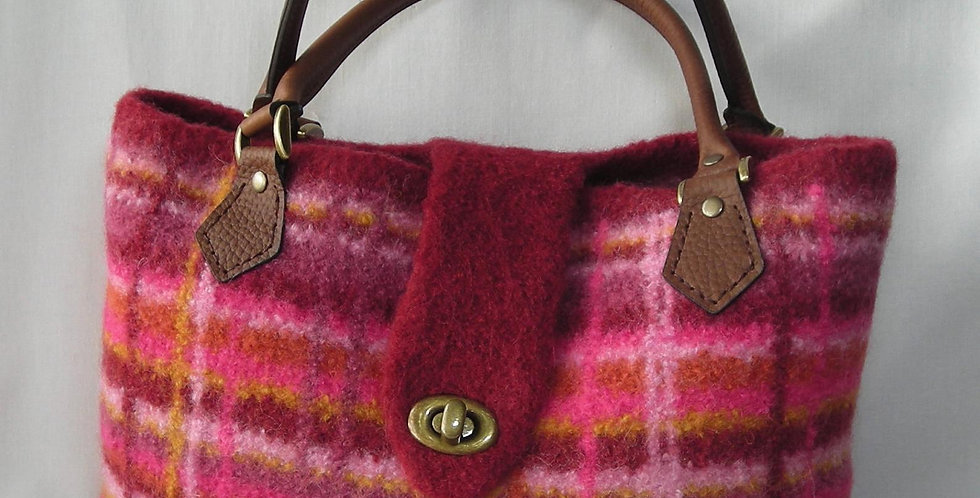 Portland Plaid Bag Knitting Pattern