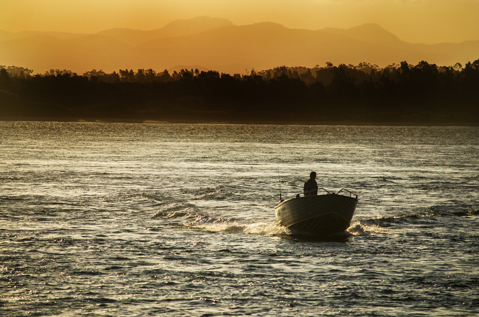 Fishing Sillhouette.jpg