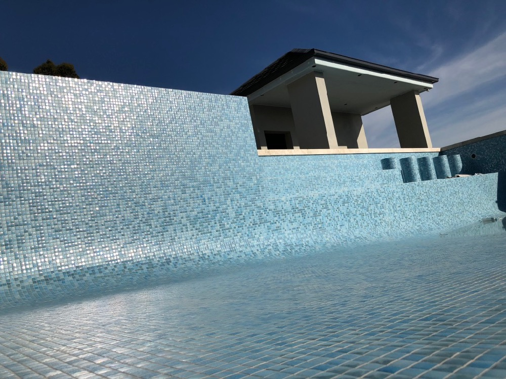 Sydney fully tiled swimming pool mosaic tiler specialist