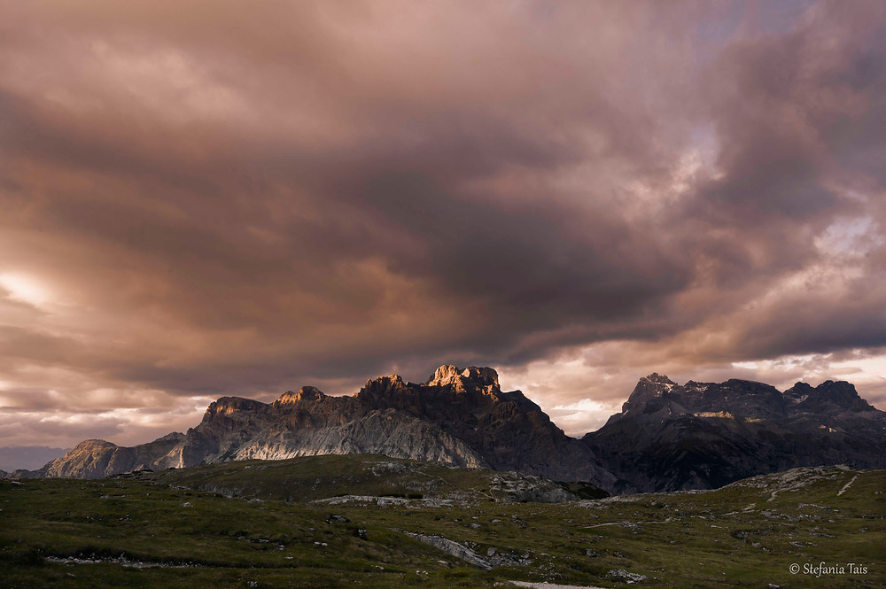 Monte Rudo e Croda dei Rondoi a sinistra, Punta Tre Scarperi, Punta Lavina Bianca e Lastroni Tre Scarperi a destra