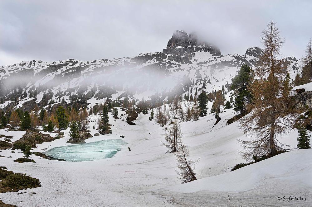 Il lago di Limedes e l'Averau
