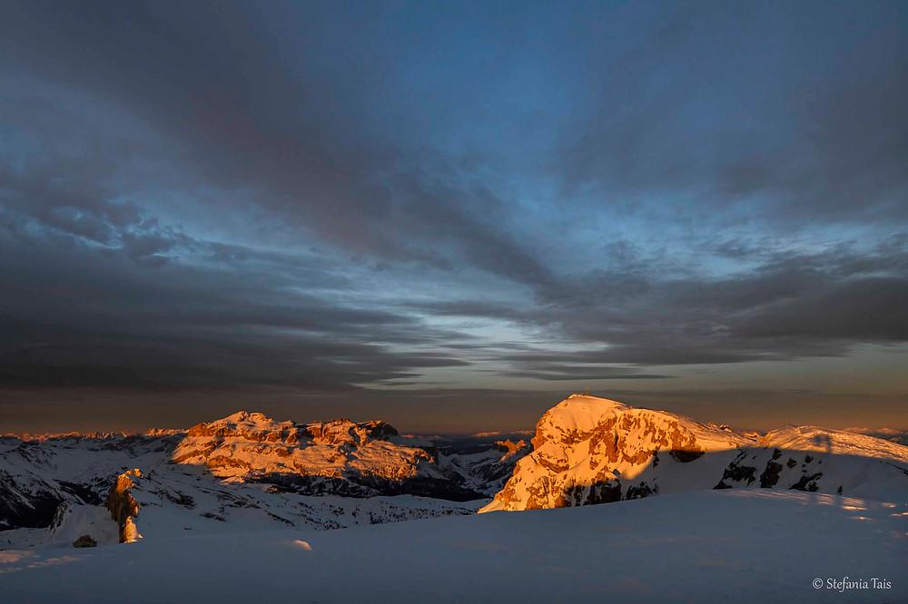 Gruppo di Sella e Piccolo Lagazuoi all'alba
