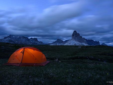 Notte del solstizio d'estate in tenda sul Monte Piana