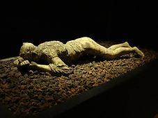 pompeii_death_cast___crawling_woman_by_g