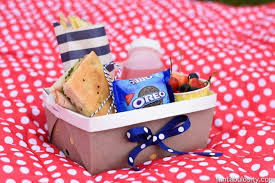 shoe box picnic 3.jpg