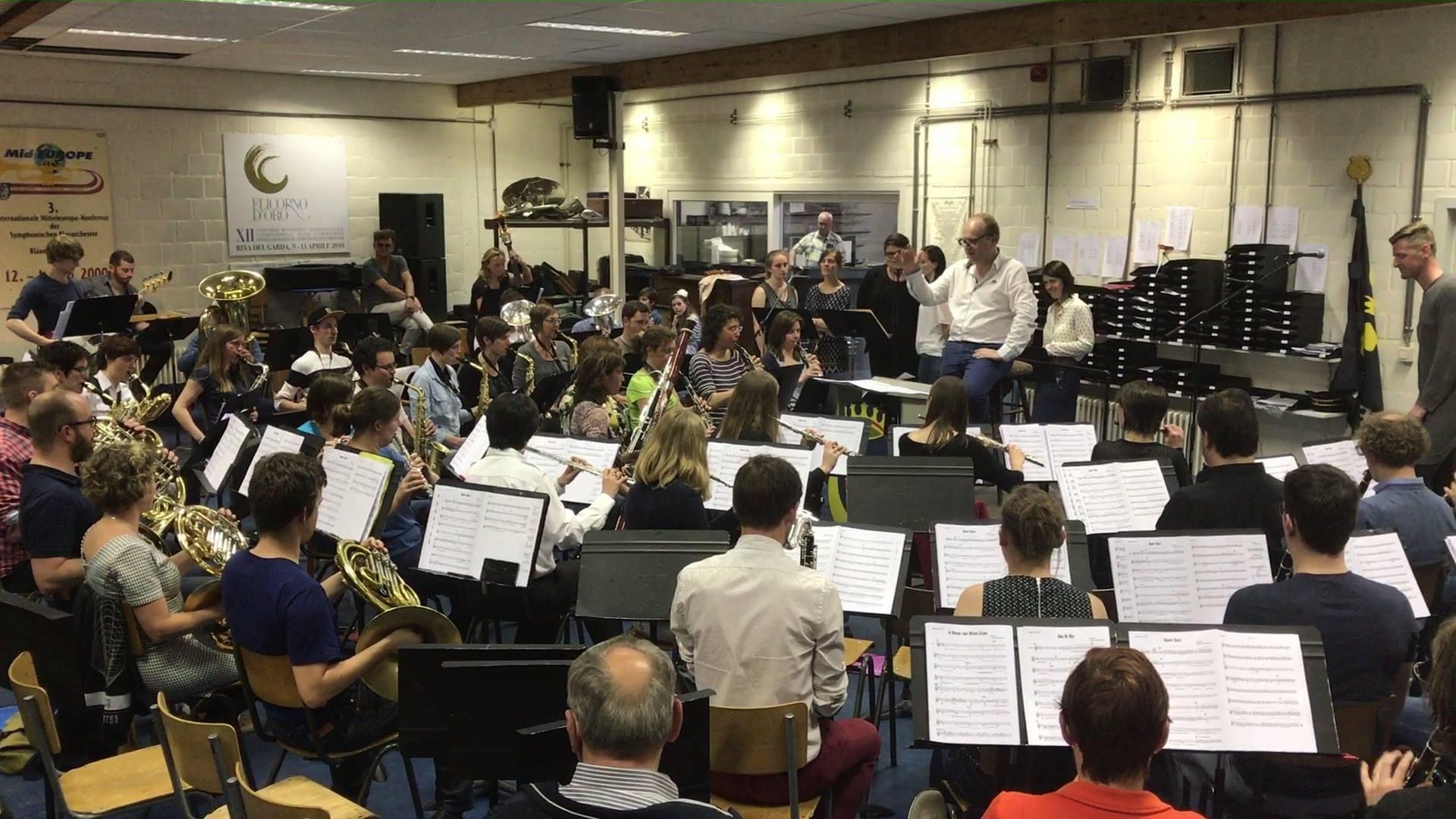 Koninklijke Harmonie Ypriane & Ozark Henry in volle voorbereid...