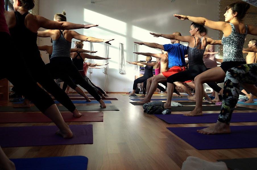 Yoga Republic | Warsztat Ashtanga Jogi z Przemkiem Nadolnym | Wrocław | listopad 2015