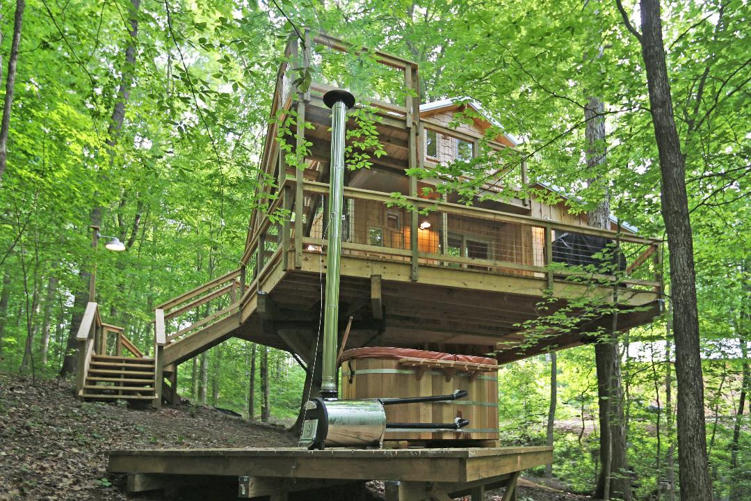 White Oak Treehouse | Hocking Hills Treehouse Cabins