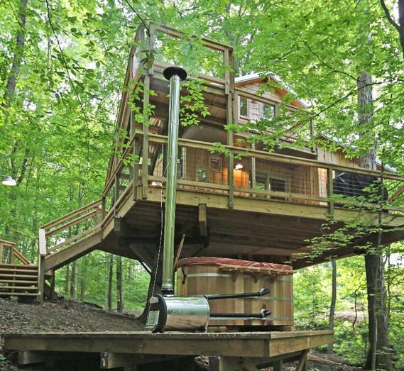 White Oak Treehouse | Hocking Hills Treehouse Cabins