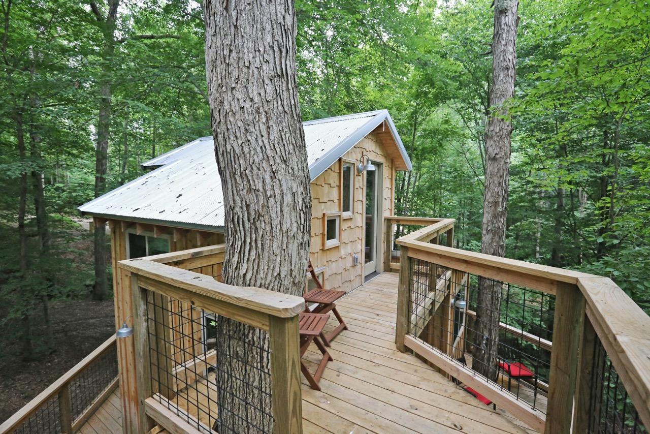 White Oak Treehouse Hocking Hills Treehouse Cabins