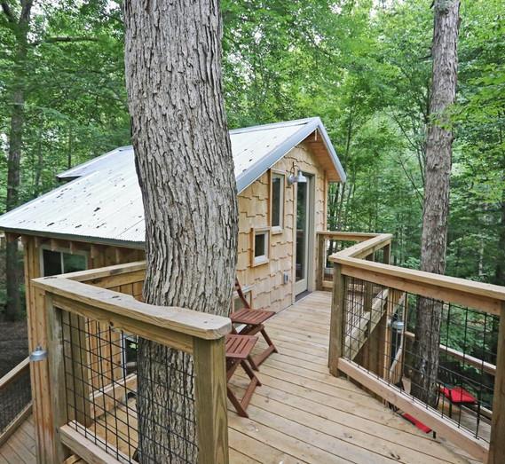 White Oak Treehouse | Hocking Hills Treehouse Cabins | Loft Deck