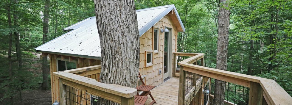 White Oak Treehouse | Hocking Hills Treehouse Cabins | Loft Deck