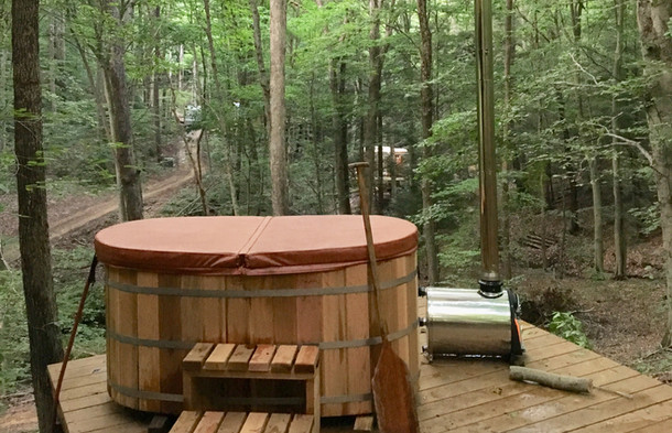 Outdoor Hot Tub in Hocking Hills | Hocking Hills Treehouse Cabins