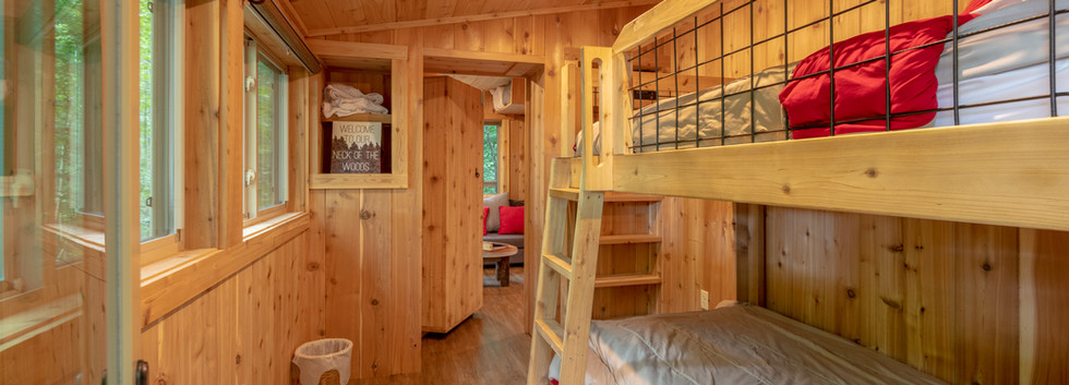 White Oak Treehouse | Bunk Room | Hocking Hills Treehouse Cabins