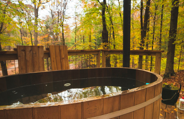 Relaxing Wood-Fired Hot Tub | Hocking Hills Treehouse Cabins