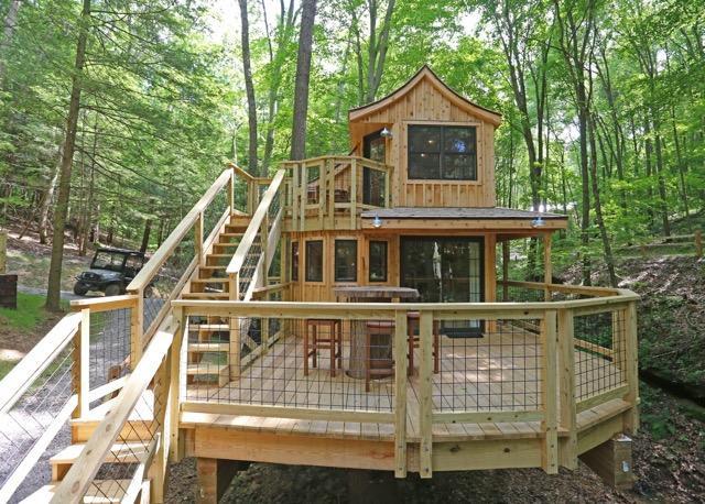 The Beech Deck | Hocking HIlls Treehouse Cabins.jpg