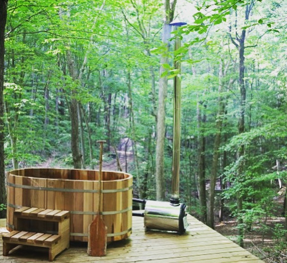 Wood Fired Hot Tub | Hocking Hills Treehouse Cabins