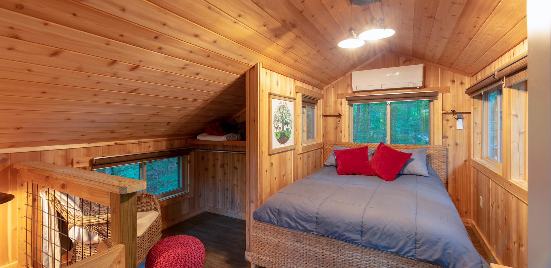 White Oak Treehouse Loft Bedroom | Hocking Hills Treehouse Cabins