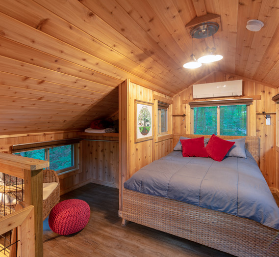 White Oak Treehouse Loft Bedroom | Hocking Hills Treehouse Cabins