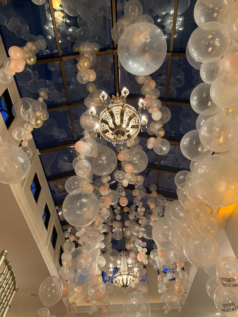 Messinas-rooftop-on-basin-baloon-ceiling