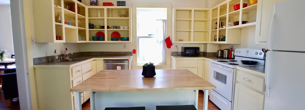 Full kitchen with fride, stove, dishwasher, deep freeze and all the dishes you will need.
