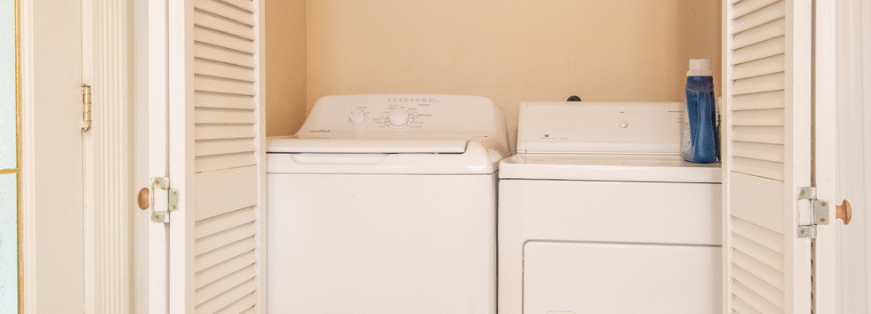 Laundry on mainfloor