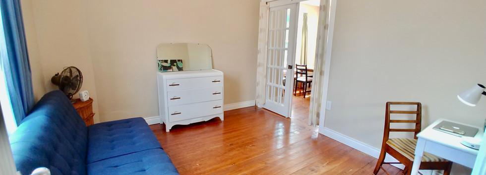 Den/optional 4th bedroom