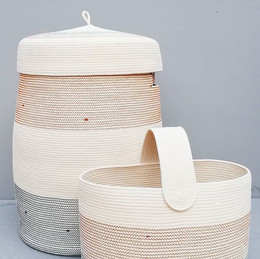 XL basket with lid , nobody can see your