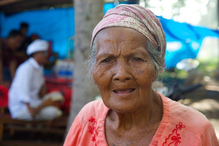 Women of Nusa Penida, Indonesia