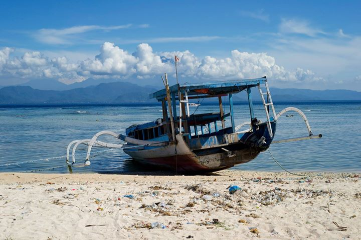 A 'jukung', the traditional fishing boat at Rama beach, Nusa Lembongan, Indonesia