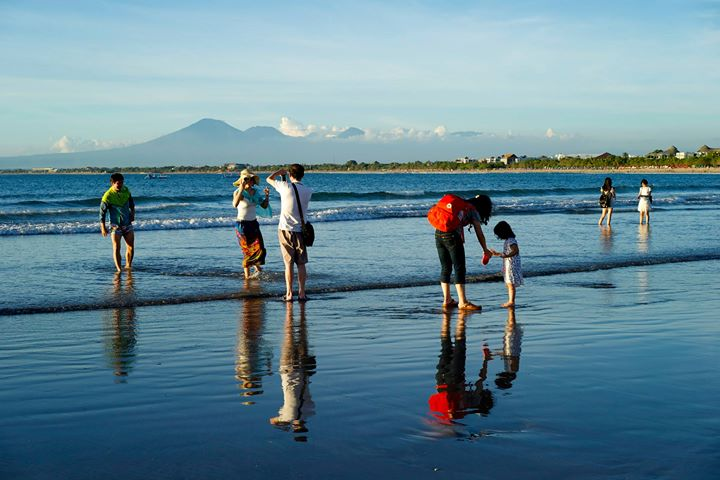 Kuta beach and Mount Agung (2567 m) in the background