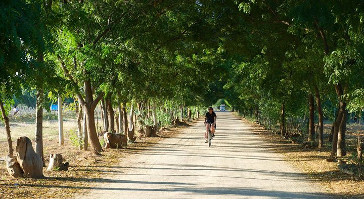 Biking to Nyaung-U, Myanmar