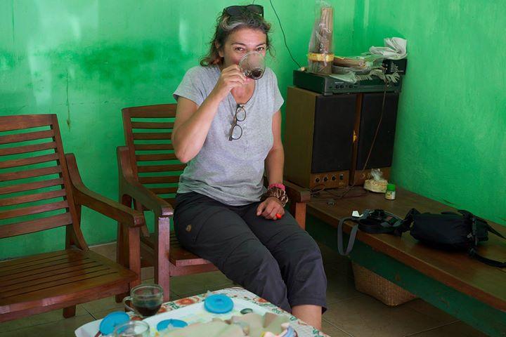 Elisabeth Cheval tasting Balinese coffee