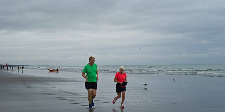 Runners, New Brighton Beach, Dunedin