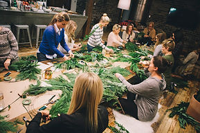little-retreats-wreath-making-class-via-
