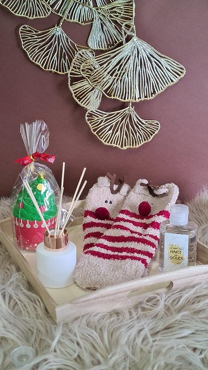 Houten plateau set kousen Rudolph en kleine geurfles