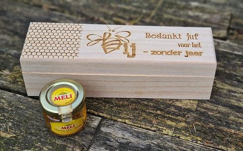 Doosje Bedankt juf voor het BIJ-zonder jaar MET honing inbegrepen